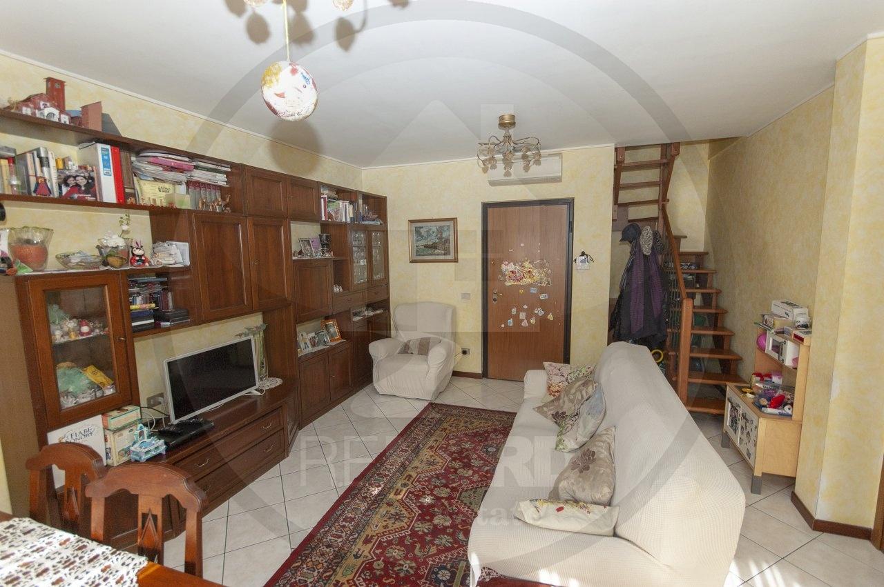 appartamento vendita carpiano