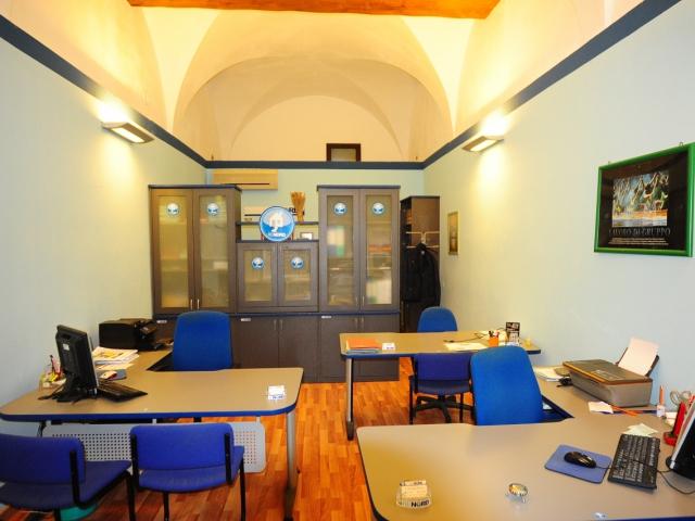 agenzia - Pavia (Piazza Duomo) - R.E.Nord di Giuseppe Scarfone
